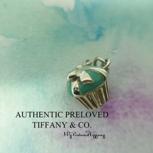 Pre-owned Tiffany & Co. Blue Enamel Cupcake Silver Charm