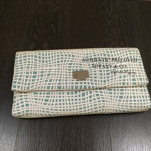 Pre-owned Tiffany & Co. Latice On Linen Flip Lock Clutch Bag